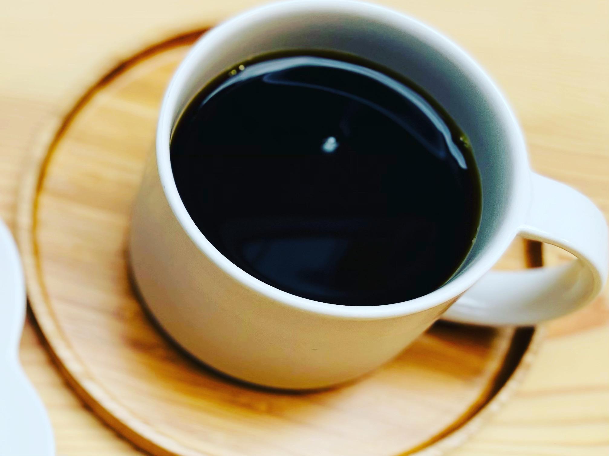 <p>こんにちは、kaicocafeです☕️ 毎週金曜日の12:00〜14:00に開催している珈琲セミナーですが、 10/15(金)は16:00〜18:00に時間変更致します☺️ 珈琲マイスターによる美味しいコーヒーの淹れ方や飲み比べ、自家製ケーキを食べながらの質問会など、盛り沢山の内容です♪ お電話や店頭にてご予約承っていますので、ぜひご参加くだ […]</p>